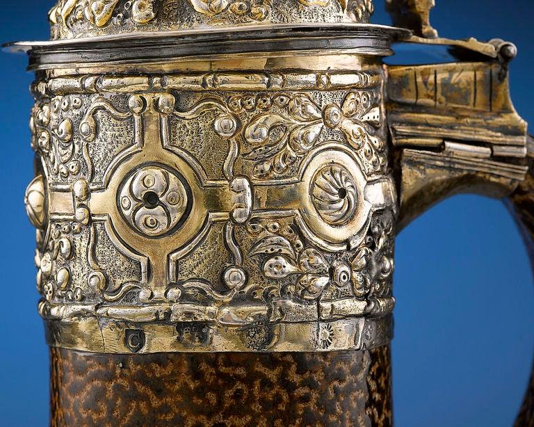 16th Century Elizabethan Tigerware Jug For Sale 1