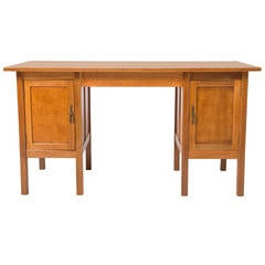 Gordon Russell Arts and Crafts oak desk, England circa 1930