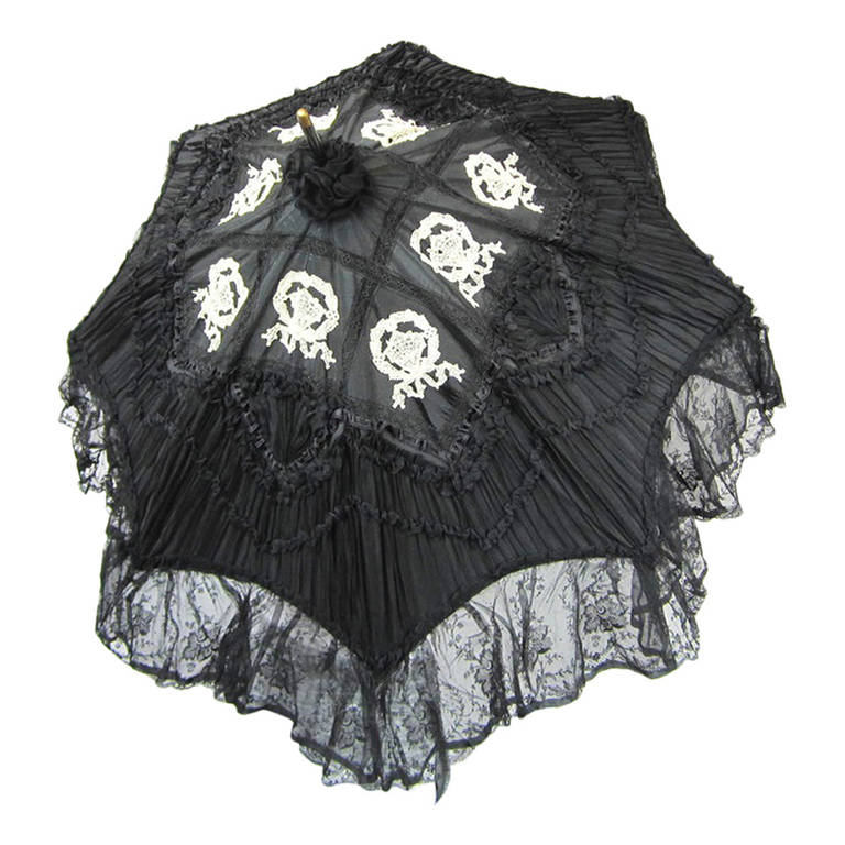 Early Silk & Lace Heavily detailed parasol circa 1900's Perfect 1