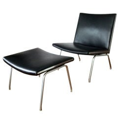 Hans Wegner Airport Lounge Chair, CH-401 with Matching Footrest