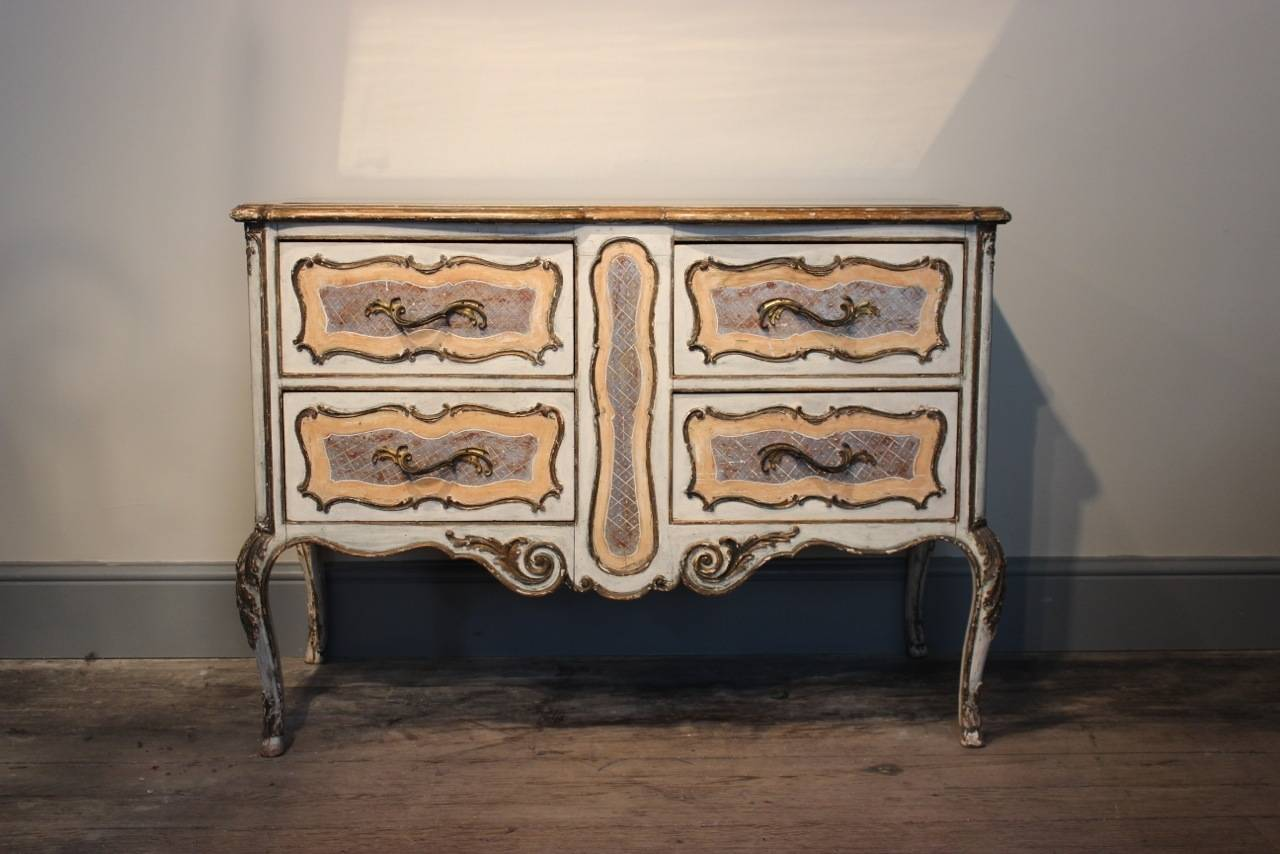 1950s Italian Painted Commode with its Original Mirrored Top In Good Condition For Sale In Gloucestershire, GB