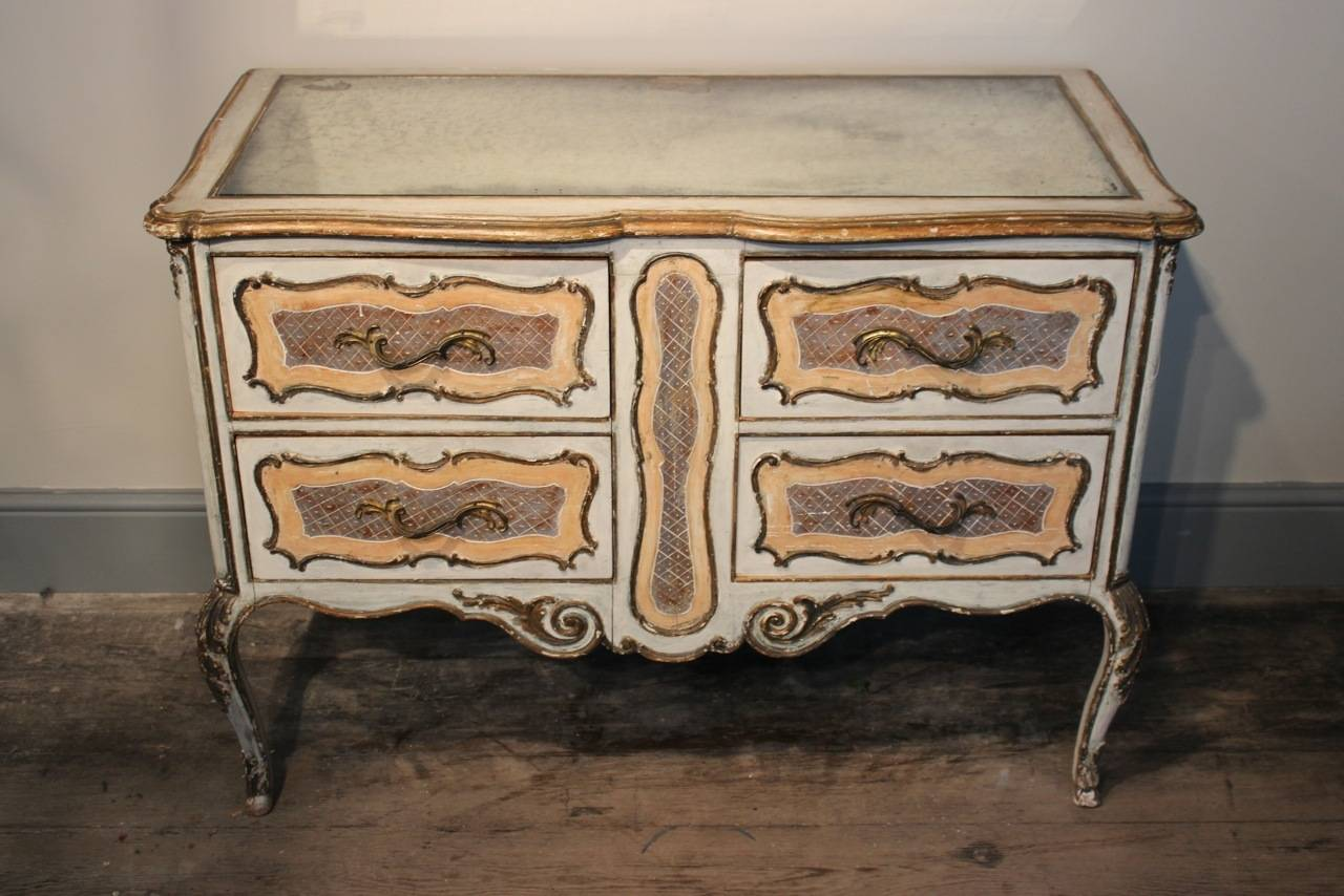 Mid-20th Century 1950s Italian Painted Commode with its Original Mirrored Top For Sale