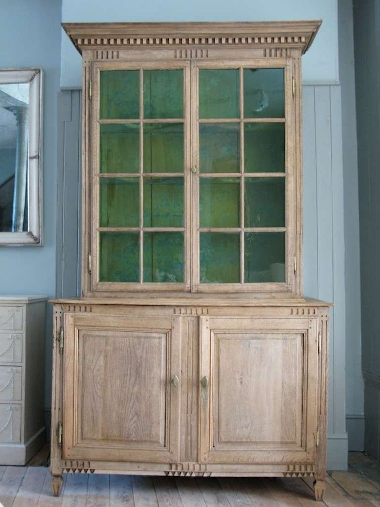 Late 18th cent french bleached oak display cabinet at 1stdibs for Bleached wood kitchen cabinets