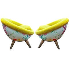 """Rare Pair of Jean Royère Small """"Oeuf"""" Armchairs with Flower and Wool Faux Fur"""