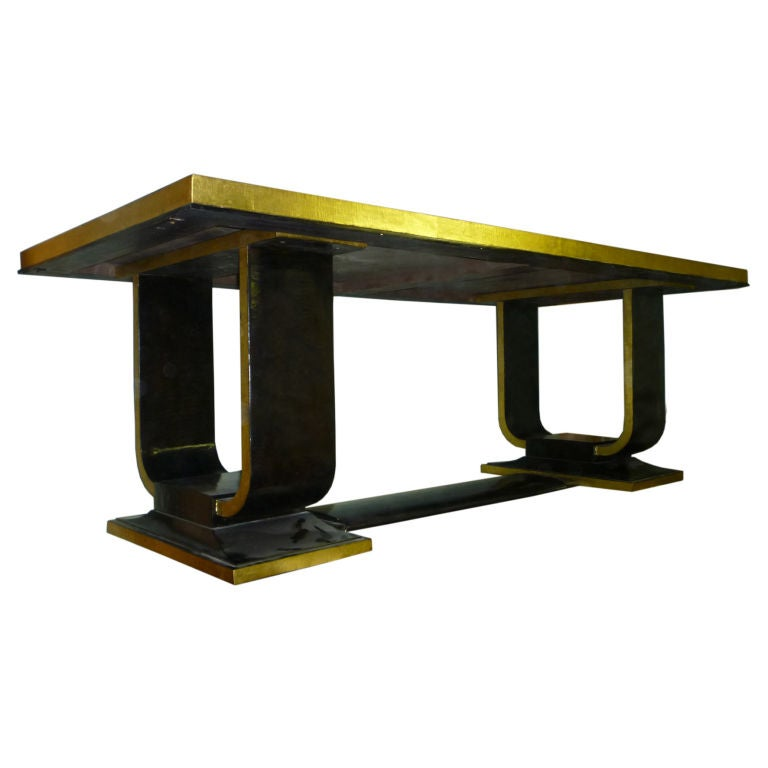 Rare 1925 art deco dining table in black lacquer and gold for Black dining table with leaf