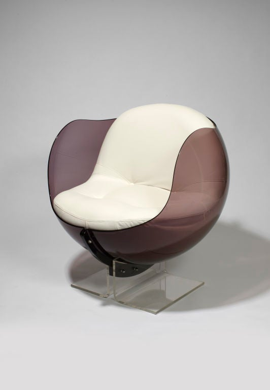 Armlesschair (out of a false pair)<br />