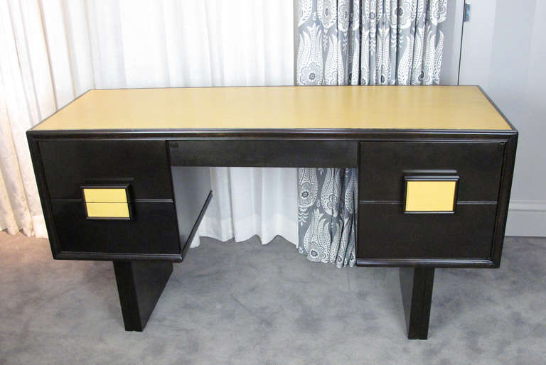Desk Attributed to Paul Laszlo 3
