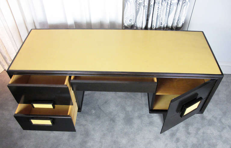 Desk Attributed to Paul Laszlo 4