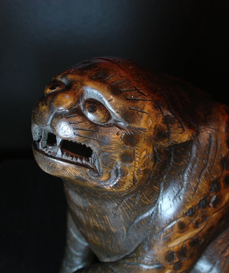 Japanese Carved Bamboo Okimono of a Tiger, Signed Ippo In Good Condition For Sale In Austin, TX