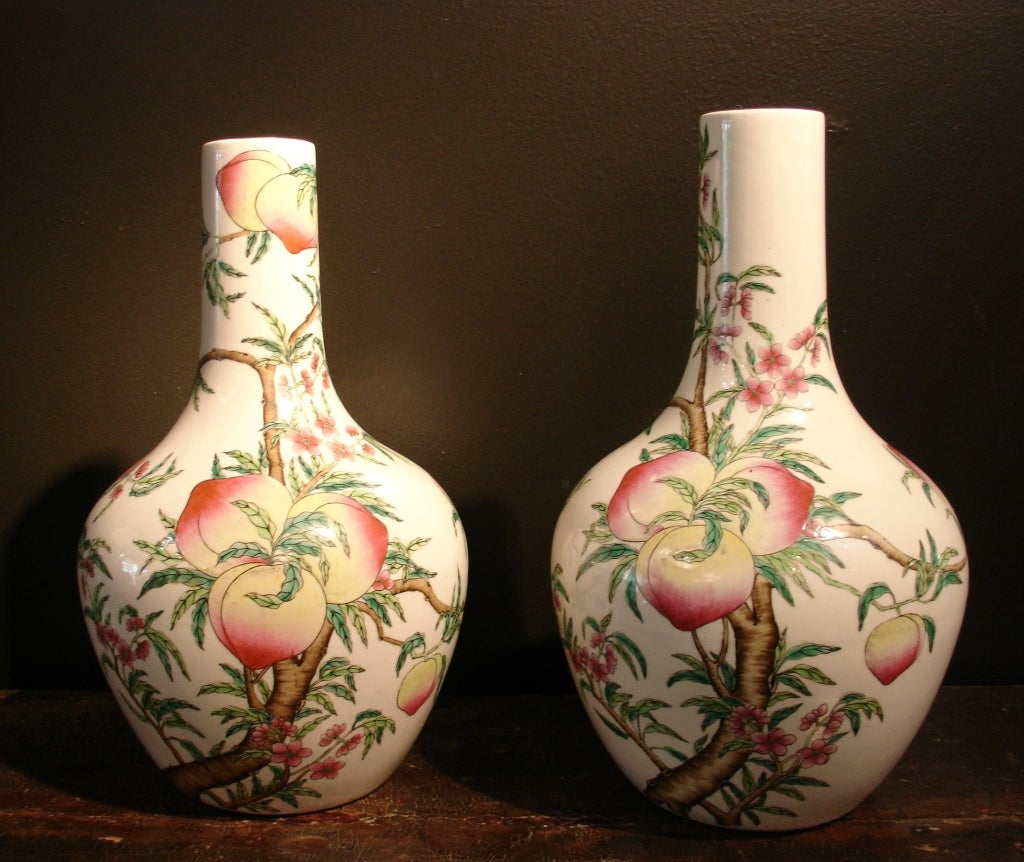 A fine pair of Chinese porcelain
