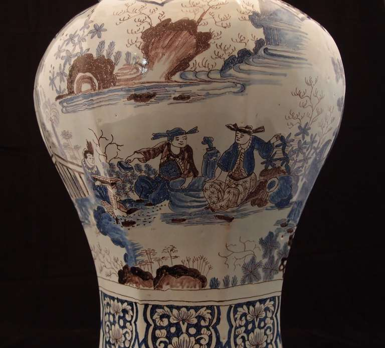 Large Pair of Delft Chinoiserie Decorated Covered Octagonal Baluster Jars For Sale 2