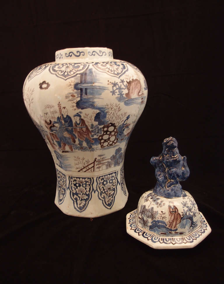 Dutch Large Pair of Delft Chinoiserie Decorated Covered Octagonal Baluster Jars For Sale
