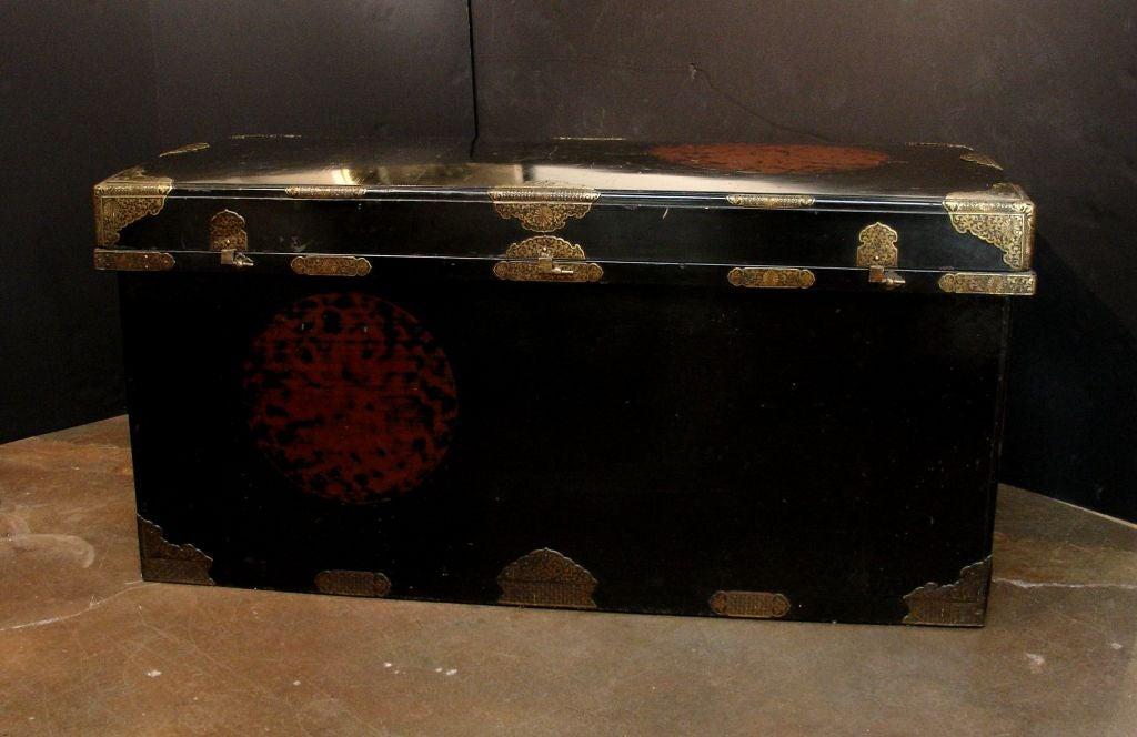 Large Japanese Black Lacquer Dowry Trunk, Nagamochi 2