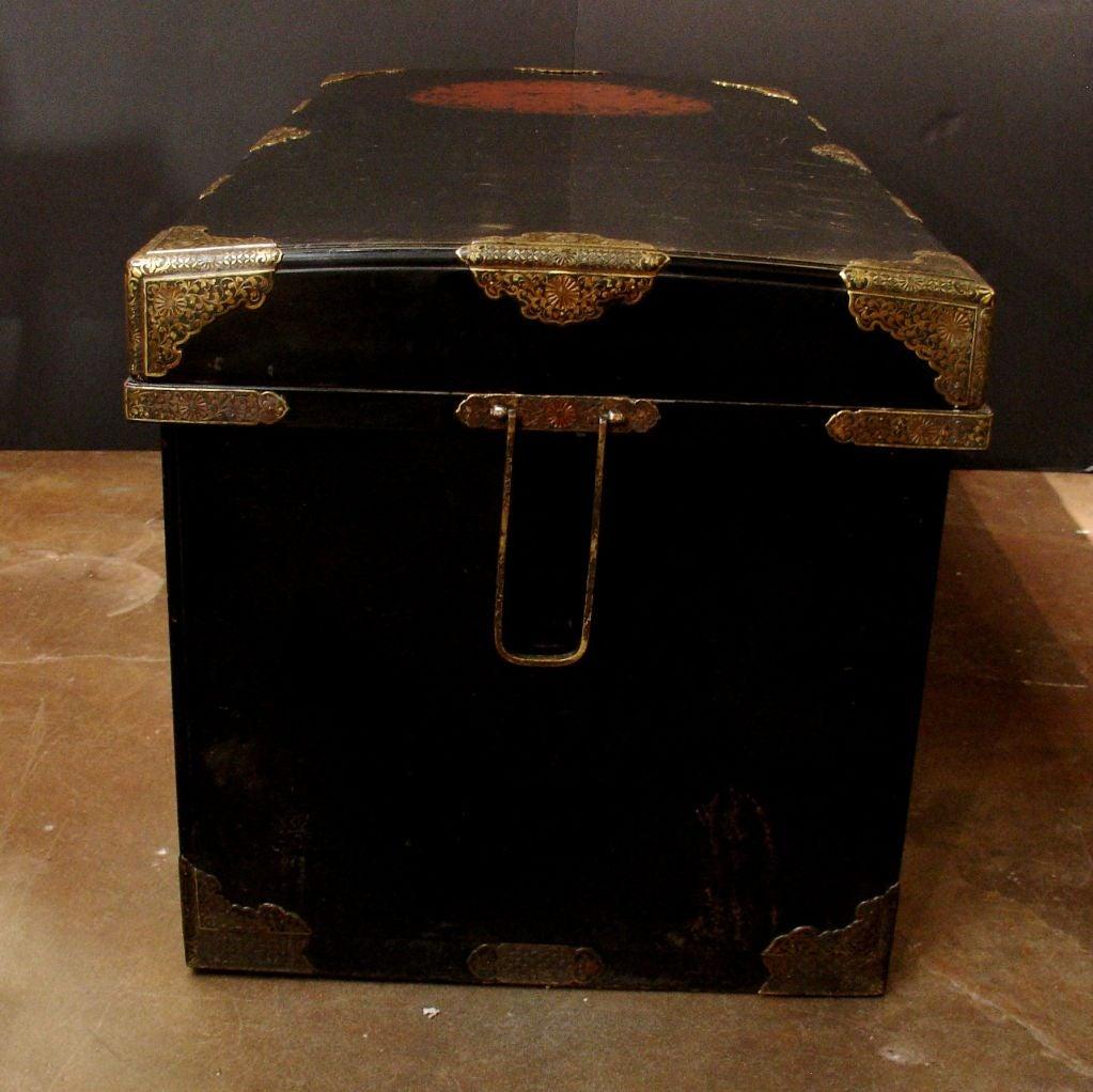 Large Japanese Black Lacquer Dowry Trunk, Nagamochi 4