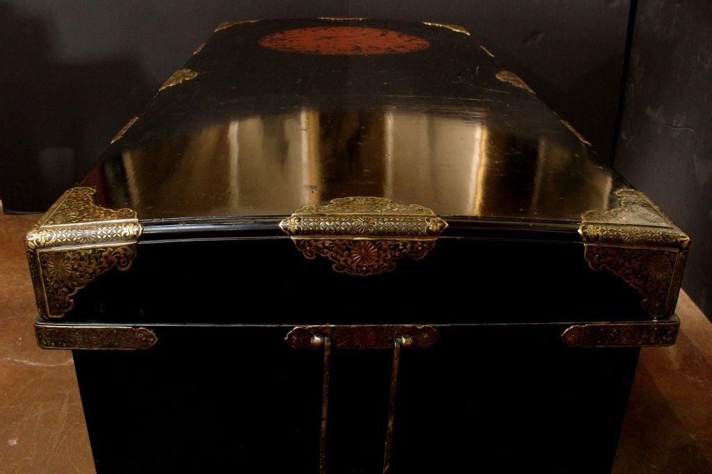 Large Japanese Black Lacquer Dowry Trunk, Nagamochi 5