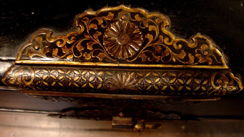 Large Japanese Black Lacquer Dowry Trunk, Nagamochi 6