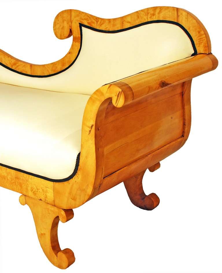 19th century biedermeier chaise lounge at 1stdibs for Biedermeier chaise
