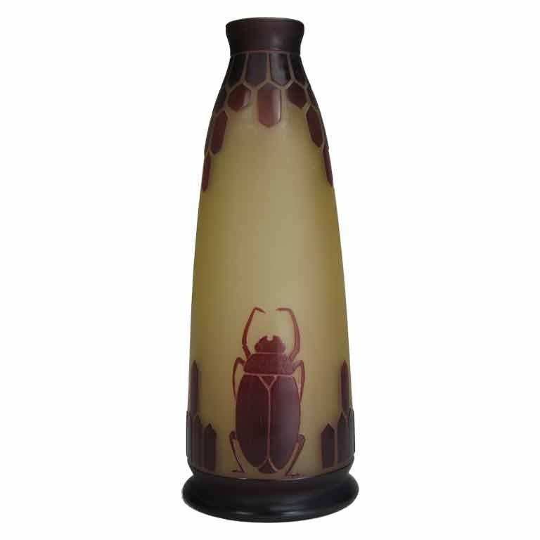 art deco acid etched cameo glass vase by le verre fran ais at 1stdibs. Black Bedroom Furniture Sets. Home Design Ideas