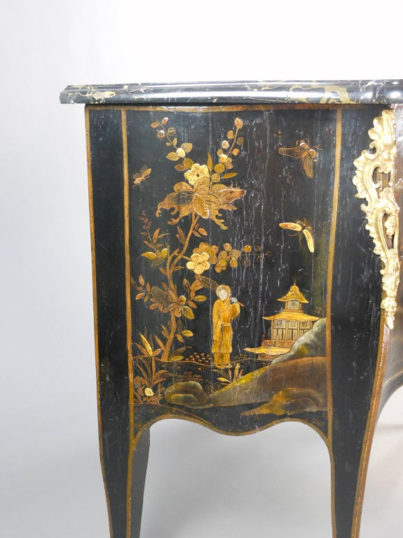 Rococo French Louis XV Gilt Bronze Mounted Black Lacquer Chinoiserie Commode For Sale
