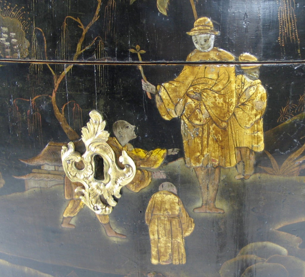 French Louis XV Gilt Bronze Mounted Black Lacquer Chinoiserie Commode For Sale 1
