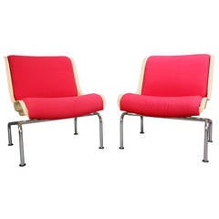 Pair of Finnish Steel and Fiberglass Saturnus C-Chairs by Yrjo Kukkapuro