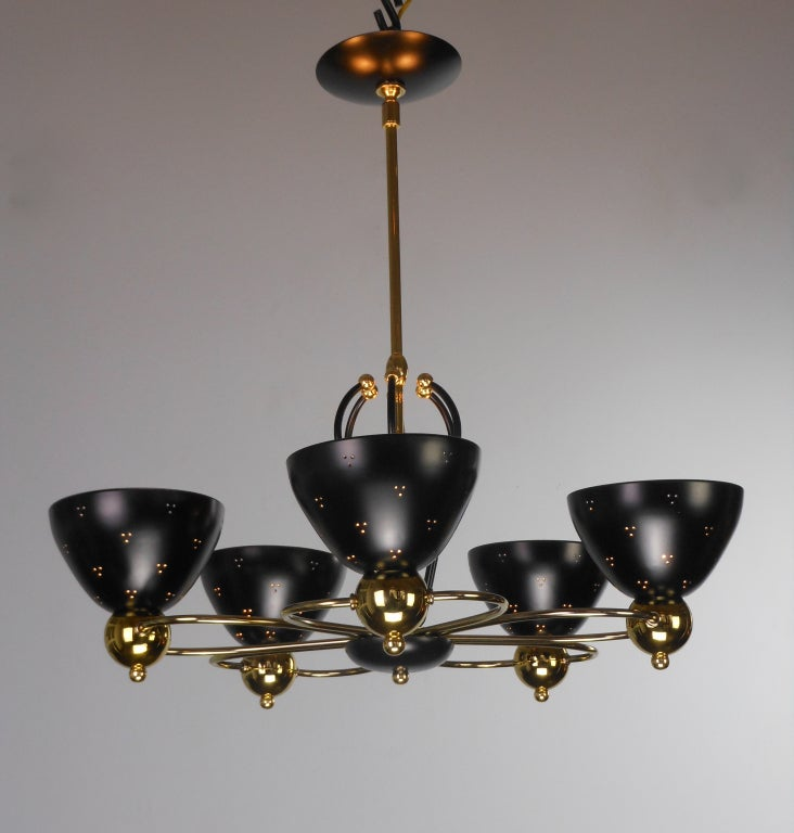 An American Mid-Century Modern Brass and Black Chandelier by Lightolier 2