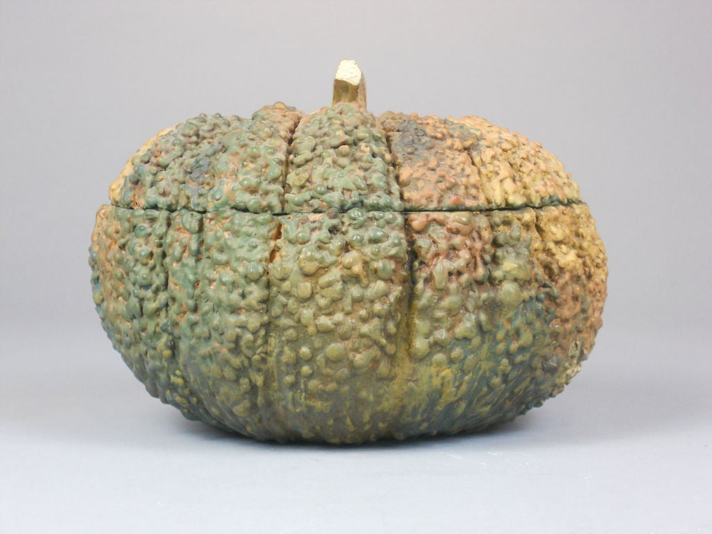 Taisho Japanese Lacquer Box in the Form of a Gourd For Sale