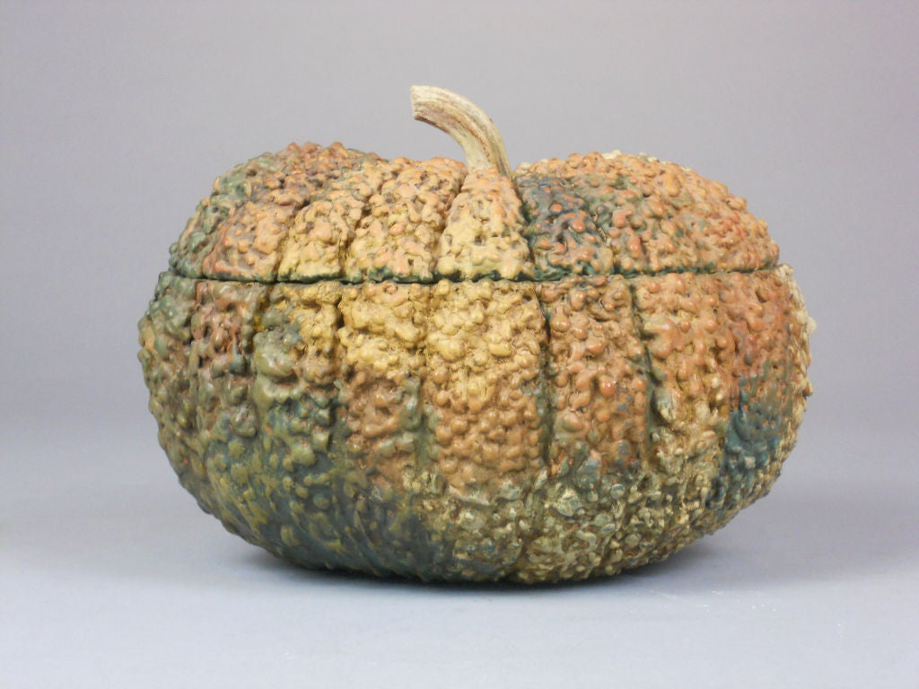 Japanese Lacquer Box in the Form of a Gourd In Good Condition For Sale In New York, NY