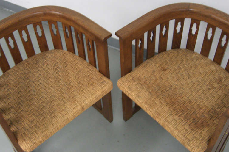 20th Century Pair of Vienna Arts & Crafts Movement Oak Armchairs For Sale