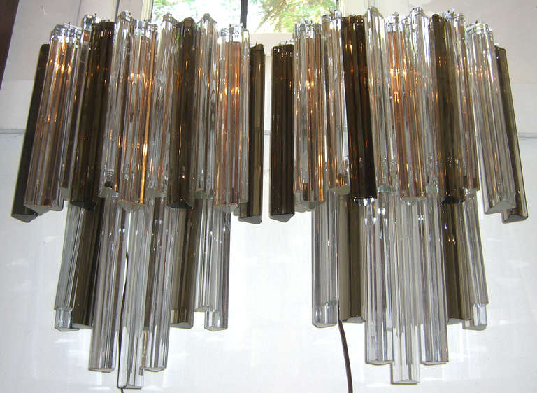 Modern Pair of Large Venini Smoked and Clear Triedri Glass Sconces For Sale