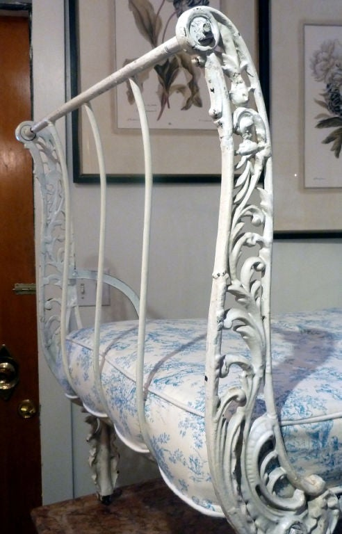 Elegant French Cast Iron Day Bed 3