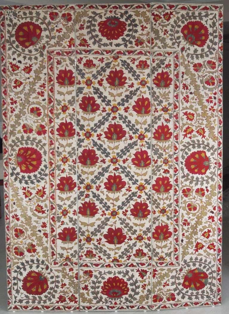 Uzbek Hand Embroidery Suzani Textile Screen For Sale