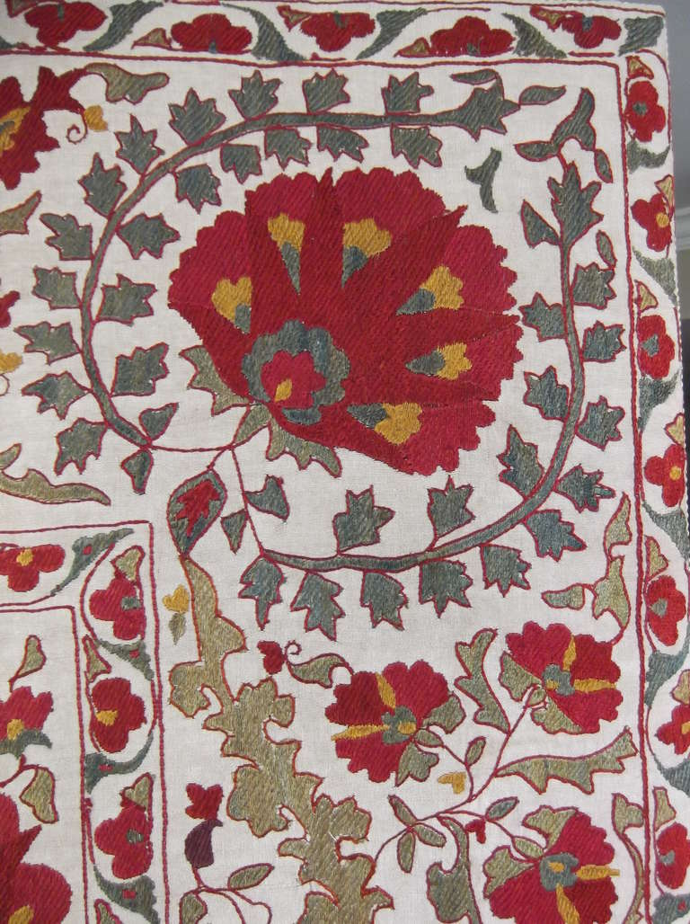 Cotton Hand Embroidery Suzani Textile Screen For Sale