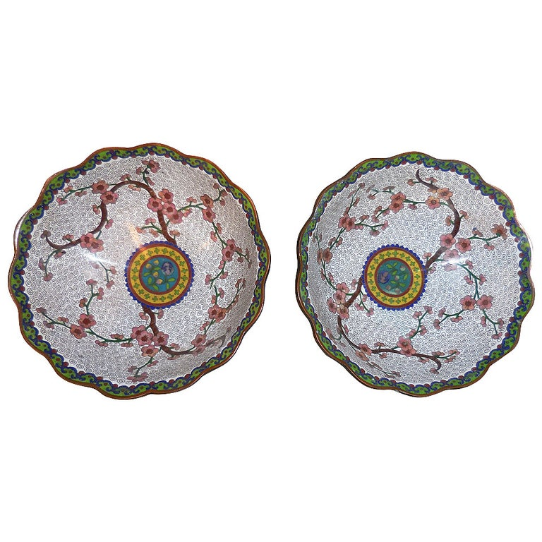 Pair of Fine Chinese Cloisonné Bowls For Sale