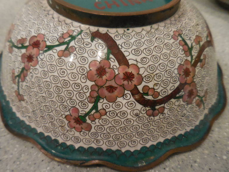 Pair of Fine Chinese Cloisonné Bowls For Sale 4