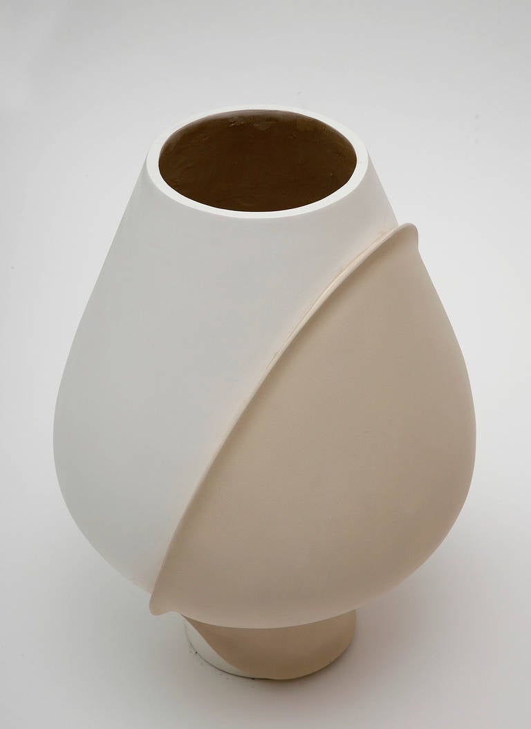 Large Ceramic Vase by Eric Schmitt In Excellent Condition For Sale In New York, NY