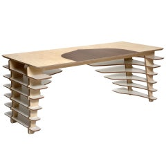 SOW Desk by Adrien de Melo