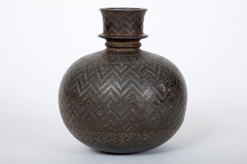 how to clean hookah vase