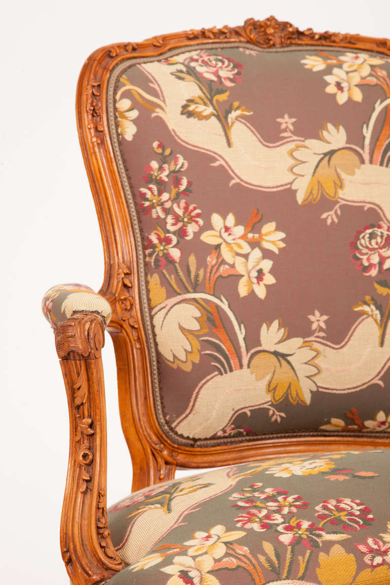 19th Century Fine Pair of French Louis XV Style Fauteuils For Sale