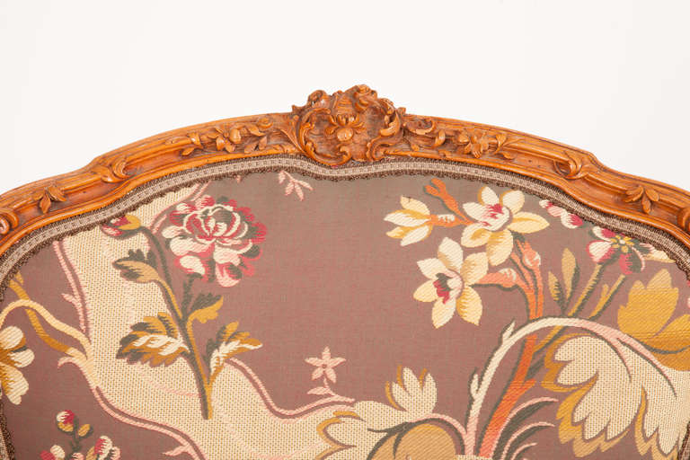 Fine Pair of French Louis XV Style Fauteuils In Excellent Condition For Sale In New York, NY
