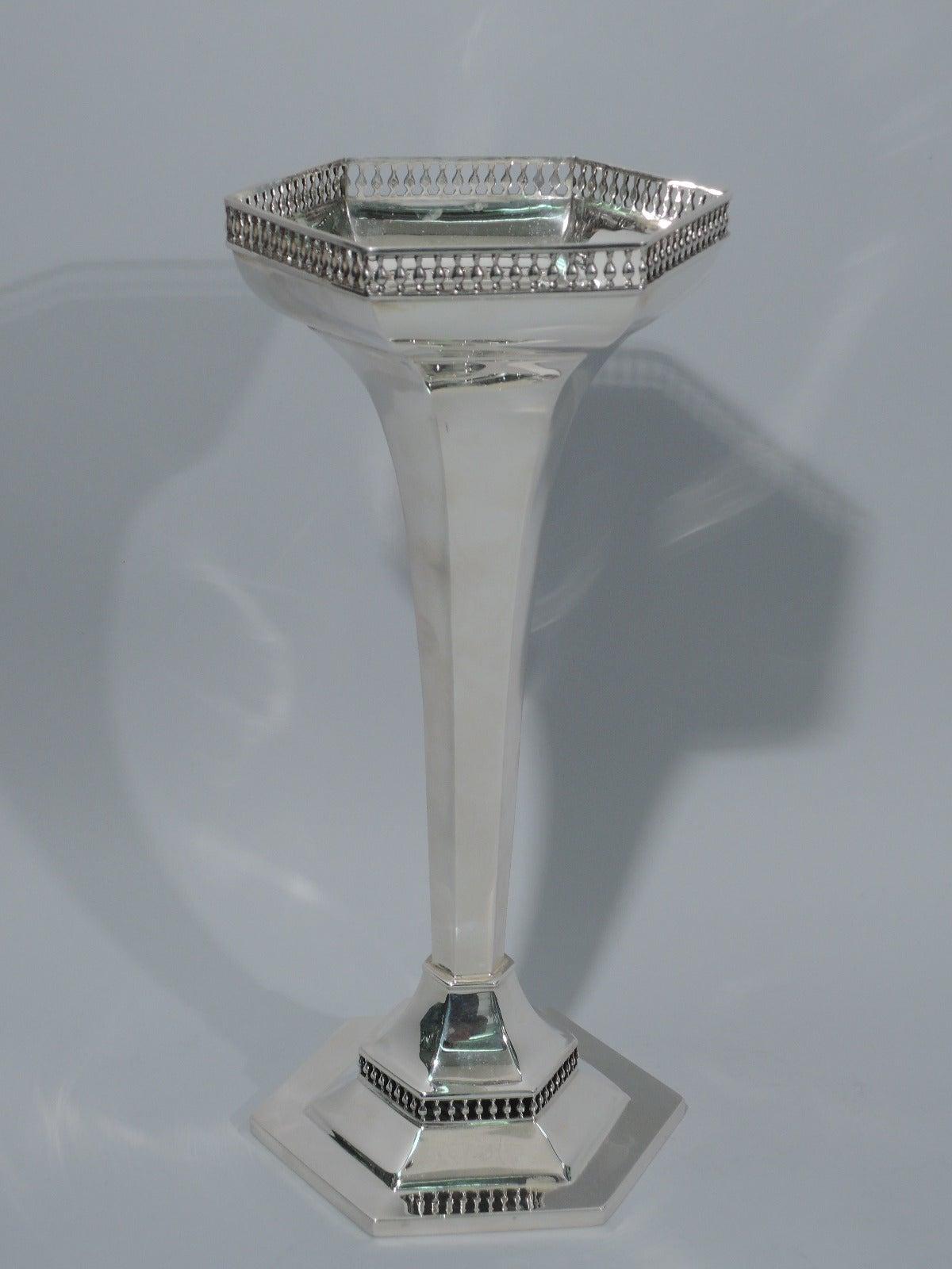 english modern design art deco sterling silver vase by. Black Bedroom Furniture Sets. Home Design Ideas