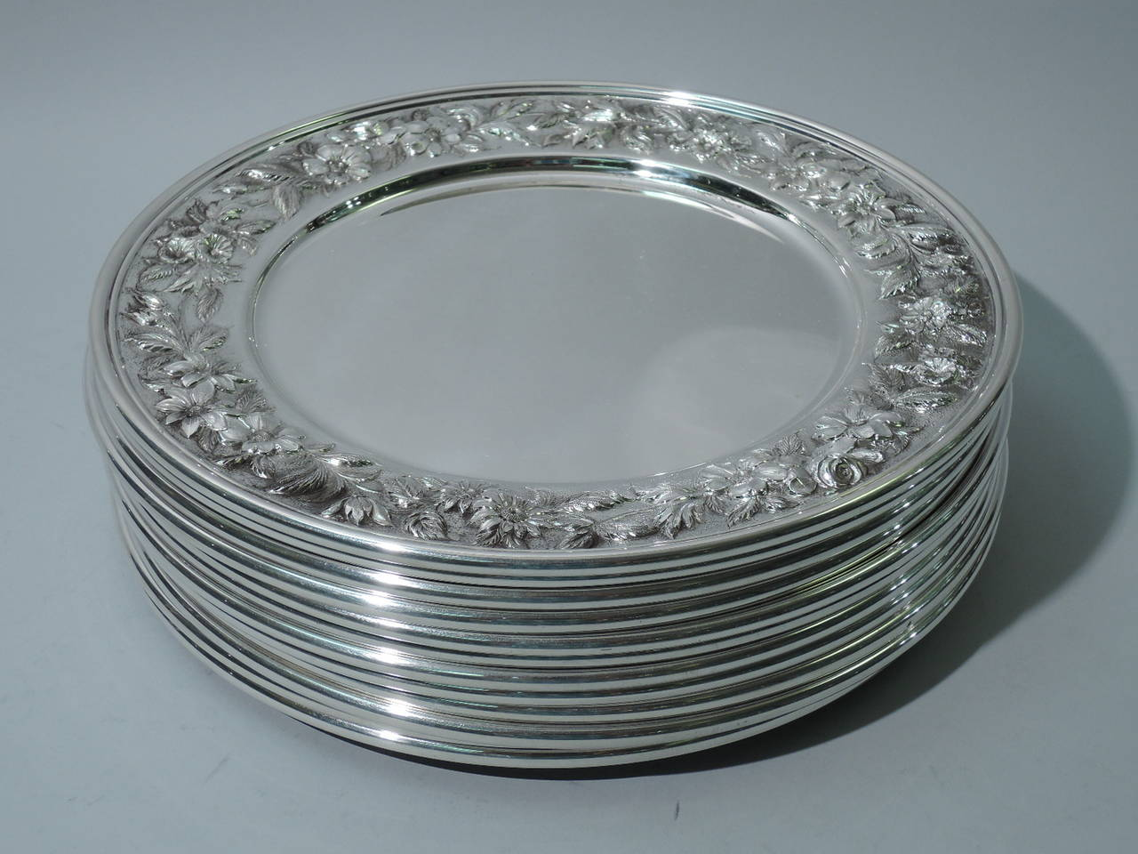 North American Kirk Sterling Silver Dinner Plates circa 1940 BI760 For Sale & Kirk Sterling Silver Dinner Plates circa 1940 BI760 at 1stdibs
