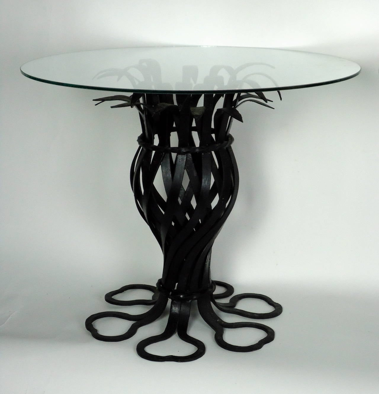 American Salterini Style Pair of Woven Wrought Iron Pineapple End Tables, circa 1970 For Sale