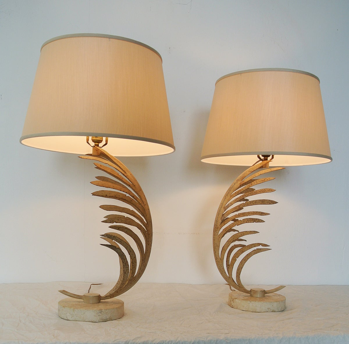 20th Century Michael Taylor Palm Frond Table Lamps, with travertine marble bases,  circa 1985 For Sale