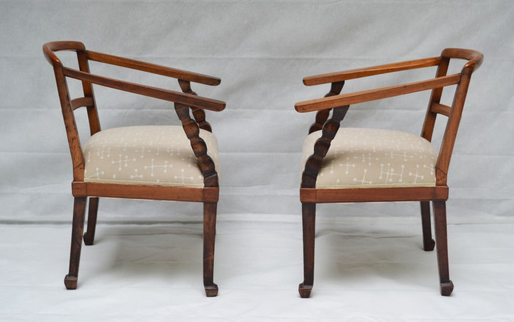 Hand-Carved Italian, Venetian fruitwood Armchairs with Ottoman, circa 1925 For Sale