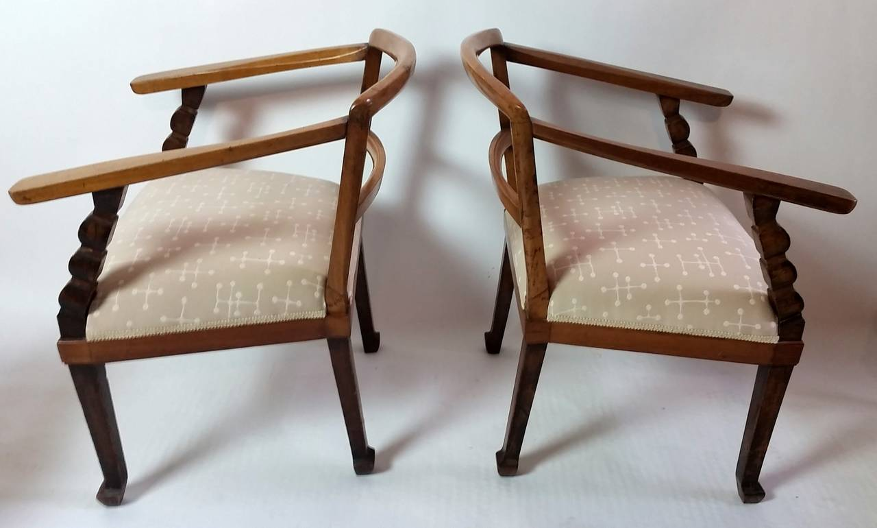 Italian, Venetian fruitwood Armchairs with Ottoman, circa 1925 In Good Condition For Sale In Camden, ME