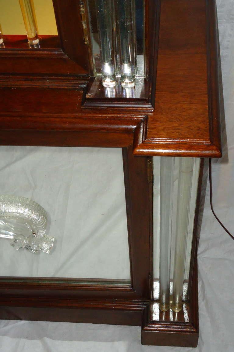 Grosfeld House Lorin Jackson Glass Caned Illuminated Mahogany Vitrine circa 1940 For Sale 3