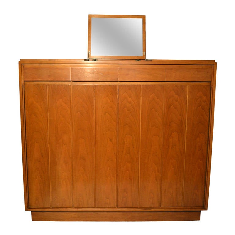 Paul McCobb Gentleman's High Chest for Widdicomb, circa 1963