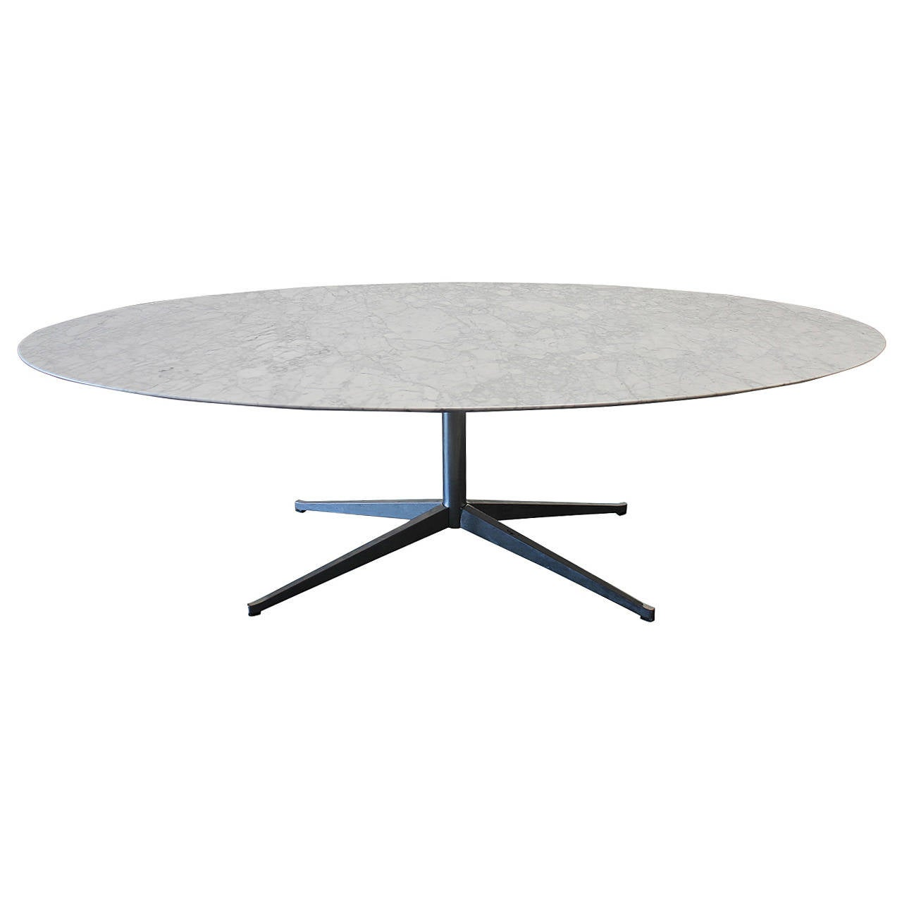 florence knoll marble top oval dining table for sale at 1stdibs. Black Bedroom Furniture Sets. Home Design Ideas