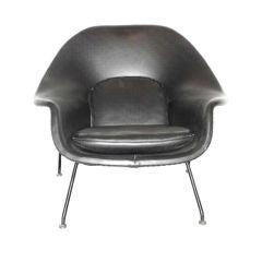 Eero Saarinen Black Leather Womb chair